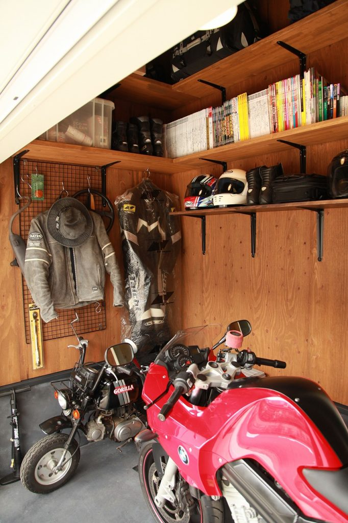バイクガレージを楽しむ、スタンダードなナチュラル空間(伊勢原)