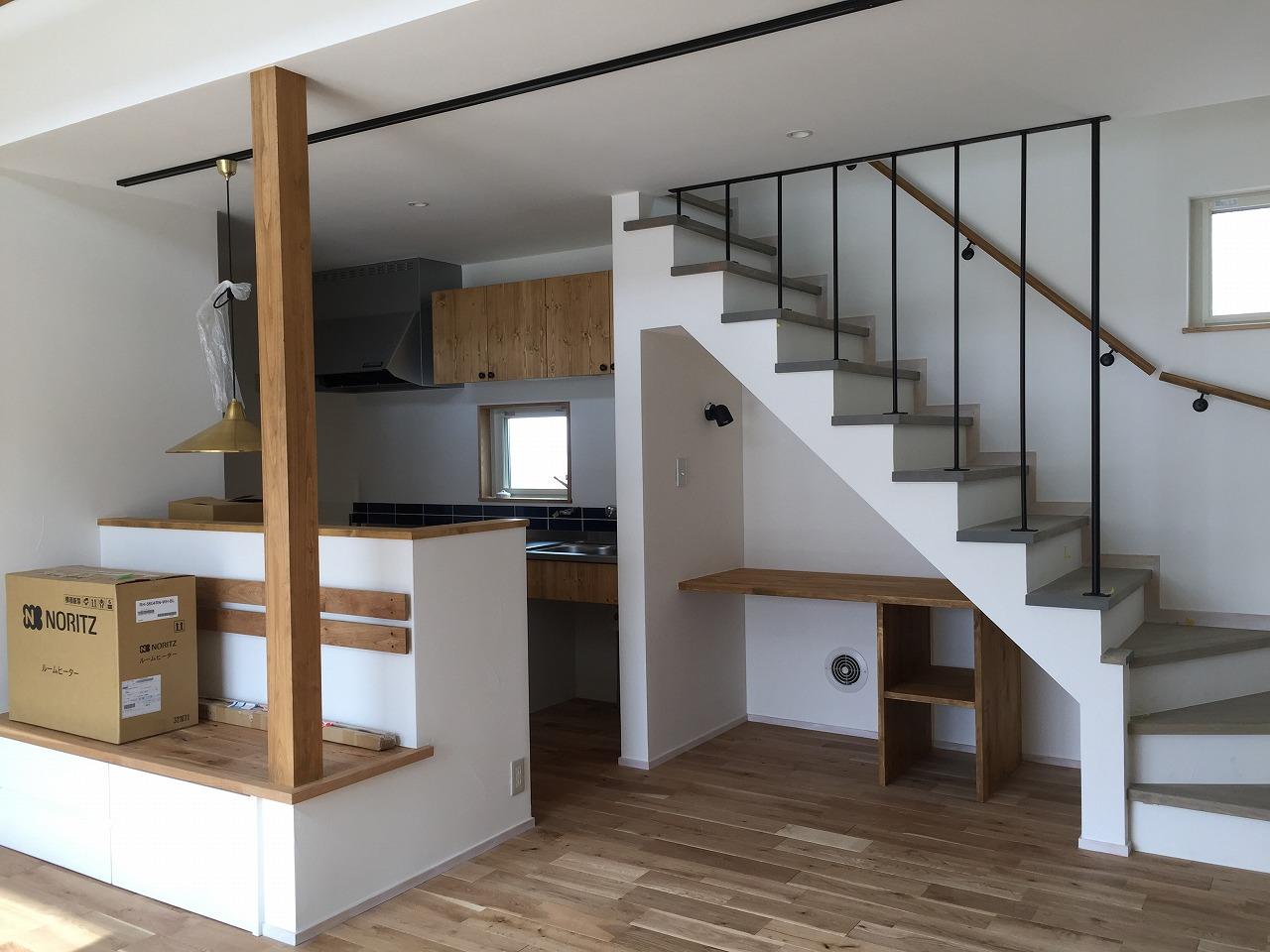 戸建『レトロヴィンテージな家具とシンプル空間。遊びごころを大切にした暮らし』(横浜市)