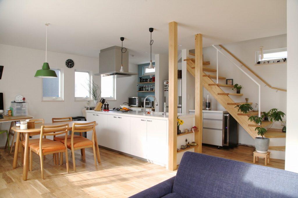 素材のもつ繊細でわずかな経年変化を楽しむ家